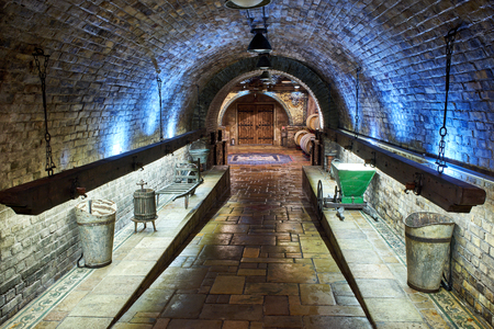 Old, big wine cellar 스톡 콘텐츠