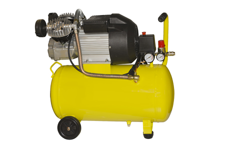 Luftkompressor isoliert auf weißem Hintergrund