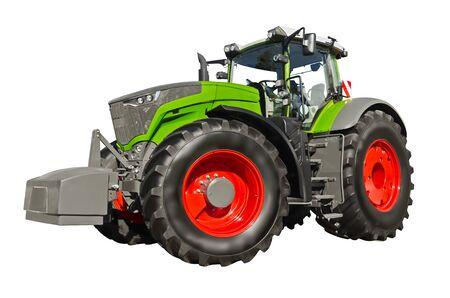 Gros tracteur agricole vert isolé sur fond blanc Banque d'images