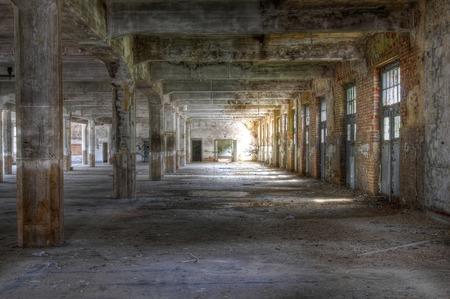放棄された記事のオールド ホール