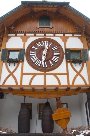 reloj cucu: El reloj de cuco m�s grande del mundo en Triberg Editorial
