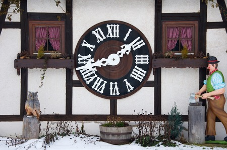 One of the largest cuckoo clocks in the world in Triberg 에디토리얼