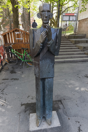 katarina: STOCKHOLM - MAY 11, 2015: Statue of the writer and poet Nils Ferlin at Nils Ferlin square in Stockholm. May 11, 2015, Stockholm, Sweden. The Statue is made by Karl Gote Bejemark Editorial