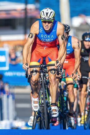 gomez: STOCKHOLM, SWEDEN - AUG 22, 2015: Overall leader Javier Gomez Noya from Portugal at the Mens ITU World Triathlon series event