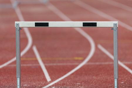 competitividad: Estocolmo, Suecia - 16 de junio, 2016: Obst�culos en el Diamond League de la IAAF en Estocolmo. Editorial
