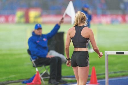 salto de longitud: Estocolmo, Suecia - 16 de junio, 2016: Brooke Stratton en el salto de longitud en la Diamond League de la IAAF en Estocolmo.