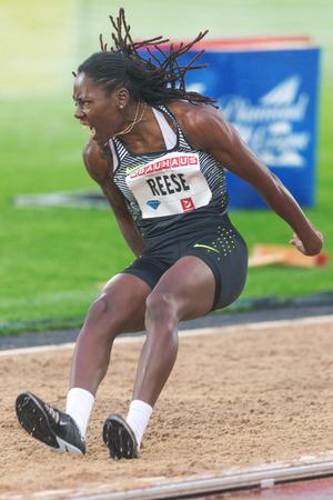 salto largo: Estocolmo, Suecia - 16 de junio, 2016: Brittney Reese en el salto de longitud en el Diamond League de la IAAF en Estocolmo.