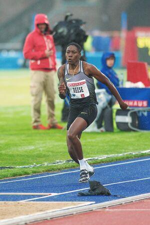 salto de longitud: Estocolmo, Suecia - 16 de junio, 2016: Brittney Reese en el salto de longitud en el Diamond League de la IAAF en Estocolmo.