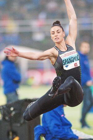 salto de longitud: Estocolmo, Suecia - 16 de junio, 2016: Ivana Spanovic en el salto de longitud en la Diamond League de la IAAF en Estocolmo. Editorial