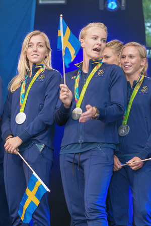 linda: STOCKHOLM, SWEDEN - AUG 21, 2016: Olympic medalists from Rio are celebrated in Kungstradgarden. Soccer players