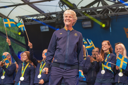 hm: STOCKHOLM, SWEDEN - AUG 21, 2016: Olympic medalists from Rio are celebrated in Kungstradgarden. Singalong with Pia Sundhage