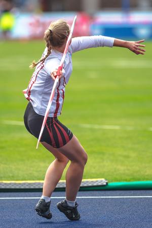 스톡홀름, 스웨덴 -6 월 18 일, 2017 : 여성 창 던지기 IAAF 다이아몬드 리그 스톡홀름에서 워밍업.