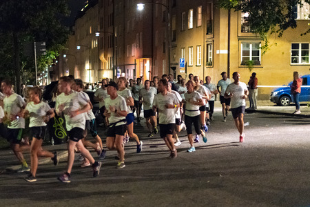 STOCKHOLM, SWEDEN, 18 AUG, 2018: Midnight run at the streets of southern parts of central Stockholm, also called Midnattsloppet. 에디토리얼