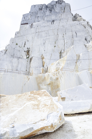quarry of the precious Carrara marble. Alpi Apuane, Tuscany, Italy 스톡 콘텐츠