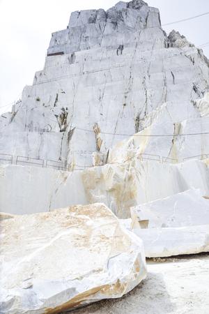 cantera del precioso mármol de Carrara. Alpi Apuane, Toscana, Italia Foto de archivo