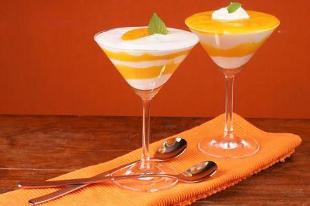 Fresh yoghurt and peach dessert Reklamní fotografie