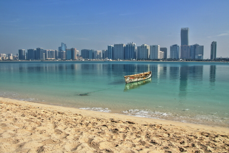 View of skyline and Beach of Abu Dhabi United Arab Emirates 版權商用圖片
