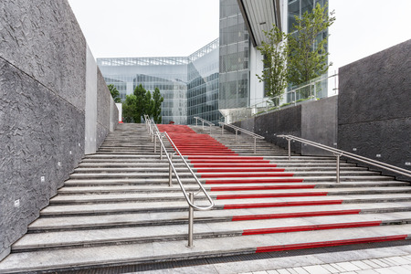 Stairs to a reception entrance of a business building Banco de Imagens