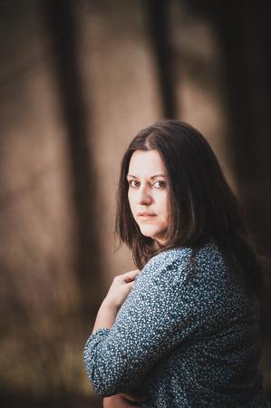 scared woman in the woods look in camera Zdjęcie Seryjne