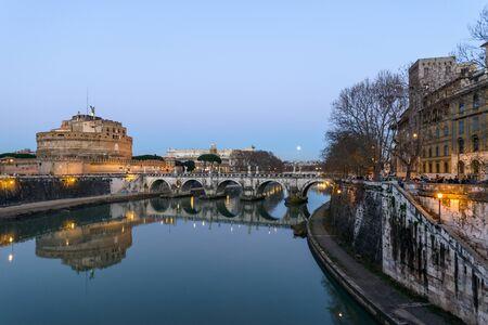 tevere: Landscape of castel santangelo in rome along the tiber river, italy