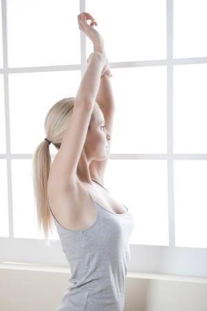 stretching: Estiramiento de ma�ana  Foto de archivo