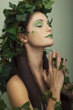 madre tierra: Naturaleza de madre rezando para que el ahorro de la tierra  Foto de archivo