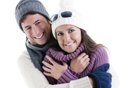 ropa de invierno: Joven pareja en ropa de invierno