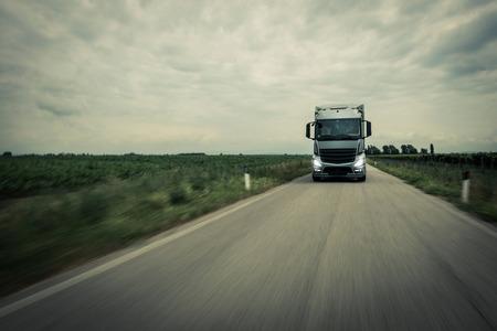 Truck op de weg Stockfoto
