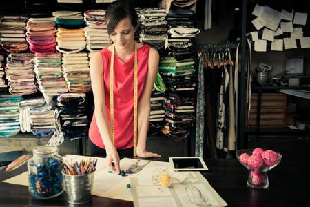 Jonge mode-ontwerper