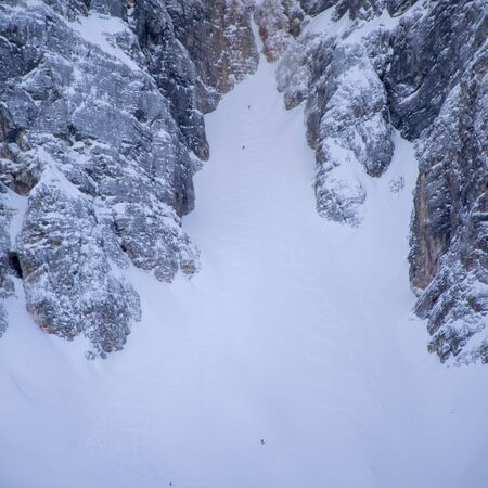Extreme off-piste skiing Imagens