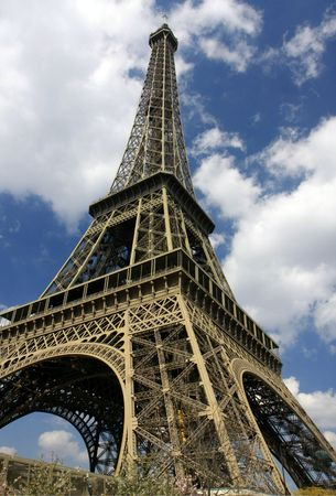 wideangle: The Eiffel Tower, centered wide-angle view