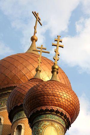 bucarest: Les tours de l'Eglise de Russie � Bucarest par le coucher du soleil
