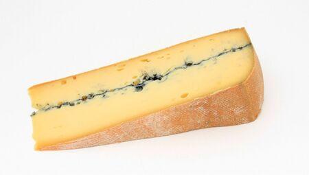 フランス産チーズ、モルビエ様々 のスライス