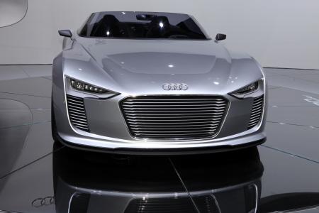 Paris Motor Show 2-17 October 2010: the Audi e-tron Spyder concept car