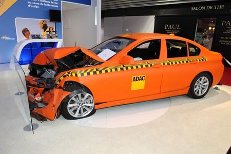 Paris Motor Show 2-17 October 2010: crash test with a BMW