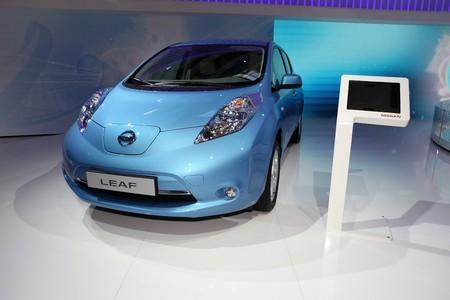 Paris Motor Show 2-17 October 2010: the new Nissan Leaf