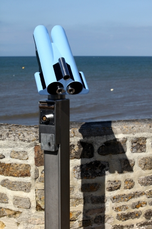 foresee: Metallic pay per view monocular