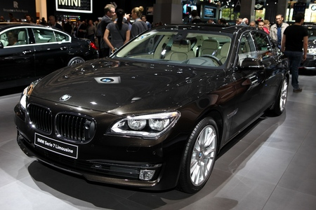 serie: The New BMW Serie 7 Limousine displayed at the 2014 Paris Motor Show