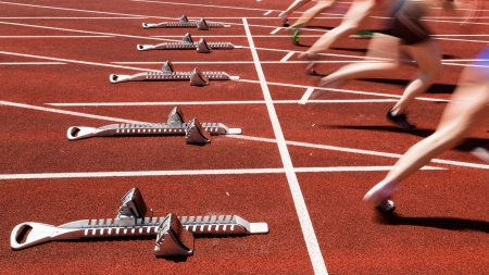sprint start in track and field photo