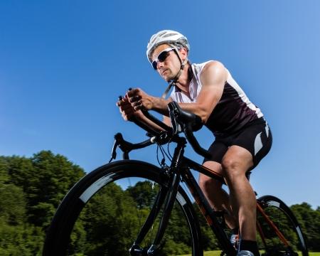 radfahren: Triathlet im Radsport Lizenzfreie Bilder