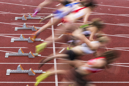 sprint start in track and field Banco de Imagens