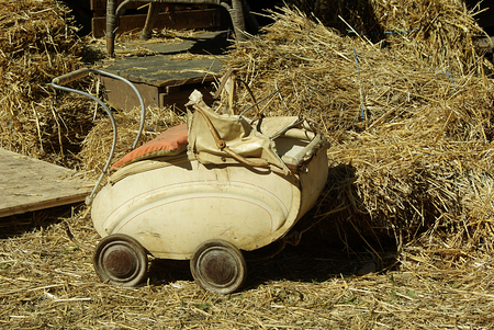transience: Age Puppenwagen Stock Photo