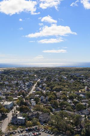 vue ville: Provincetown, Massachusetts, Cape Cod vue sur la ville et de la plage et vue sur l'oc�an d'en haut. Banque d'images