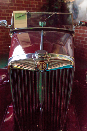 td: El Segundo, CA, USA - September 26, 2016: Red 1952 MG TD displayed at the Automobile Driving Museum in El Segundo, California, United States. Editorial use only.