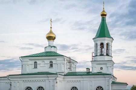 오래 된 정교회 교회에서보기를 닫습니다. Pokrovskaya 교회, 폴로스크, 벨로루시