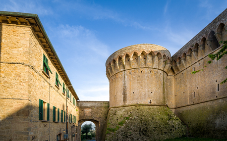 Volterra old fortress round tower 版權商用圖片