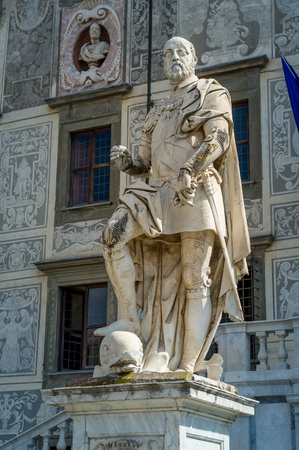 Historic statues of Pisa old center