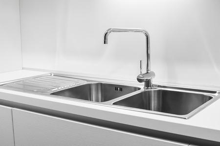 Double bowl stainless steel kitchen sink Foto de archivo