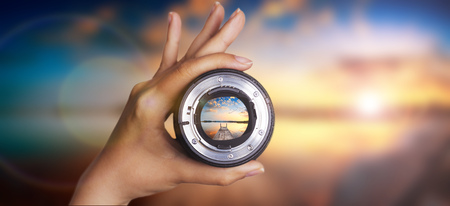 camera, focus, lens, photography, lense, through, photographer, hand, view, image, photo, glass, digital, blurred, video, look, concept, preview, people, background, equipment, holding, blur, objective, shutter, color, modern, object, professional, hobby, Banque d'images