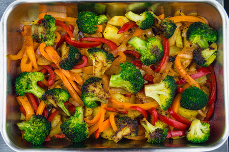 Oven cooked fresh vegetables